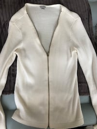 Guess zip up blouse size large Mississauga, L4Y 2N5