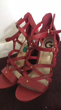 pair of red leather open-toe strappy heels Hickory Hills, 60457
