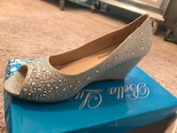 Pair of gray glittered peep-toe pumps Kent, 98030