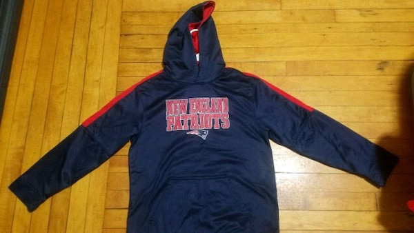 brand new 86fa0 462bc Youth Size Patriots Hoodie Bundle