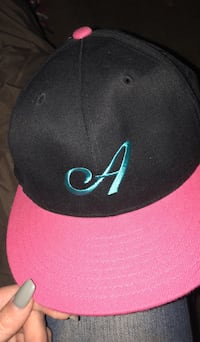 black and red Nike cap Pasco, 99301
