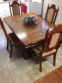 Dining table with 6 chairs Brampton, L6W 0C1