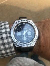 round black and silver Casio chronograph watch