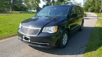 Chrysler - Town and Country - 2011 Hamilton, L8M 0A1