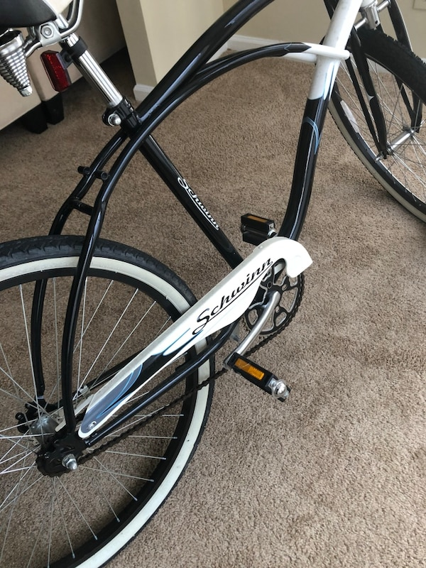 cb4e6ab5ce3 Used Black and white road bike for sale in Sandy Springs - letgo