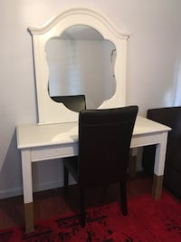 Lovely white and gold vanity desk and chair West Mifflin, 15122