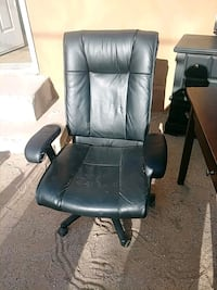 Leather office recliner Albuquerque, 87105