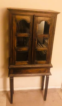 Antique Display Cabinet/ Curio/Credenza Los Angeles, 91324