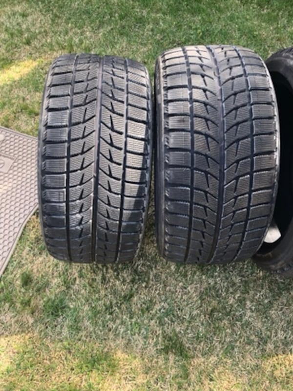 4 tires  Bridgestone Blizzak 1
