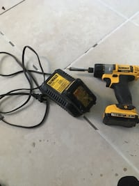 DeWalt cordless hand drill with charger 872 mi