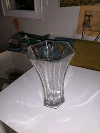 Clear Glass Vase Los Angeles, 90042