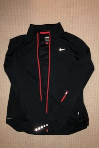 Nike Sweater Toronto, M8Y 0A7