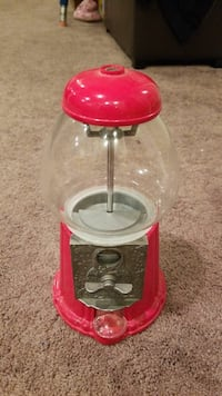 Table Top Gumball Machine  Commerce Charter Township, 48382