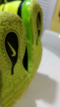 NEON GREEN AND BLACK NIKE TRAINING SNEAKERS Mississauga, L4T 1N1