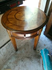 round brown wooden side table Colorado Springs, 80909