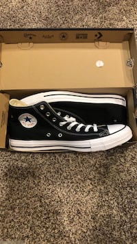 NEVER WORN Men's Chuck Taylor Converse All Stars / Size 13