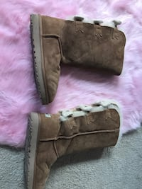 pair of brown UGG boots Ashburn, 20147