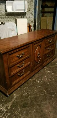 Solid wood dresser middle cabinet has 3 draws  Marrero, 70072