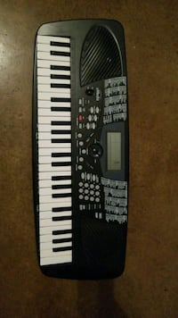 black and white electronic keyboard Central, 70739