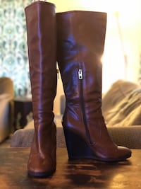 Pair of Coach brown leather knee-high boots size 8 Newport News, 23602