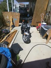 Moped gas 150cceng. Palmdale