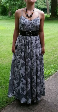 Black and white pattern Maxi Dress - size large South Bend, 46628