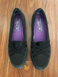 Brand new Skechers women shoes Size: 9 Markham