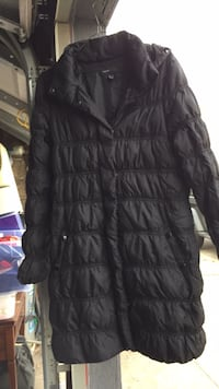 black zip-up bubble jacket New York, 11102