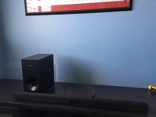 Samsung Bluetooth Sound Bar with Subwoofer (Model: HW-F355)
