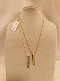 Gold pendant necklace  Canby, 97013