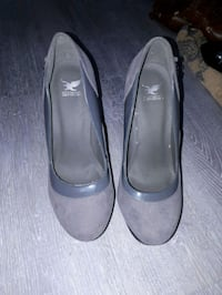 Size 8 grey high heels  Edmonton, T5W 3B2