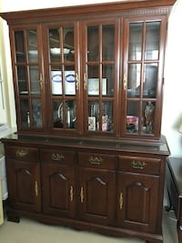 Pennsylvania House Style China Cabinet/Hutch Bethlehem, 18067