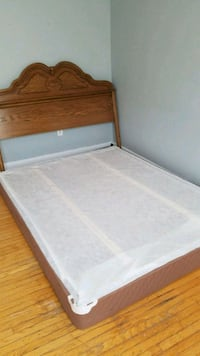 Queen size box bed with headboard and foot board Toronto, M5T 1V1