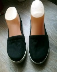 Black Canvas Shoes Size 6 1/2 Bell Gardens, 90201