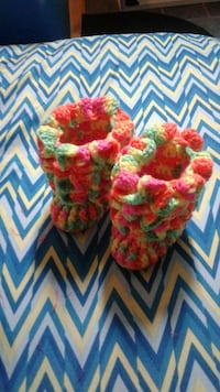 Crocheted  baby boots  Muscatine, 52761