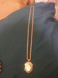 gold chain necklace with gold pendant Chico, 95926