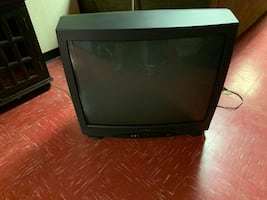 "36"" sylvania tv with remote"