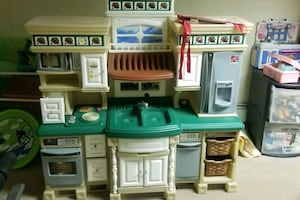 Little Tikes Step 2 Kitchen Set, Picnic table and Toys rack
