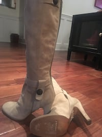 Juicy Couture. Suade knee high boots. Worn only twice.  Size 7 Vaughan, L4H 3P6