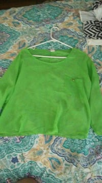 green boat neck long sleeves t-shirt Benton, 72015