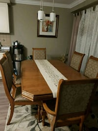 Beautiful real wood dining set fs Kitchener, N2R 1Z5