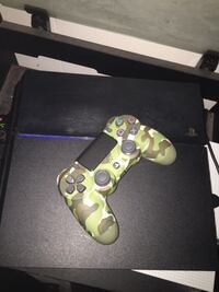 Ps4 with controller San Marcos, 92069