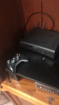 Xbox 360 for sale with controller  Middletown, 10940