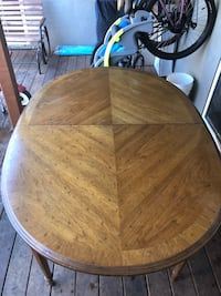 Drexel Heritage Dining Table with 6 chairs