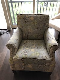 Chair for sale- great size and condition!  Denver, 80203