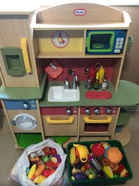 Toy kitchen Edmonton, T5T 1Y1