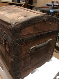 """Old Chest Travel trunk  32""""x17x17 Baltimore...Must Go! Vintage Box"""