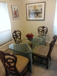 Glass Top Dining Table w 4 chairs Las Vegas, 89109