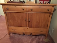 """Gorgeous antique buffet. Circa 1918. Stamped """"Made in Berlin, Ontario. Excellent condition $600   Barrie, L4N 8W1"""