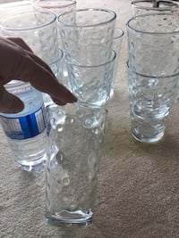 Like New! Set of (8) Glasses